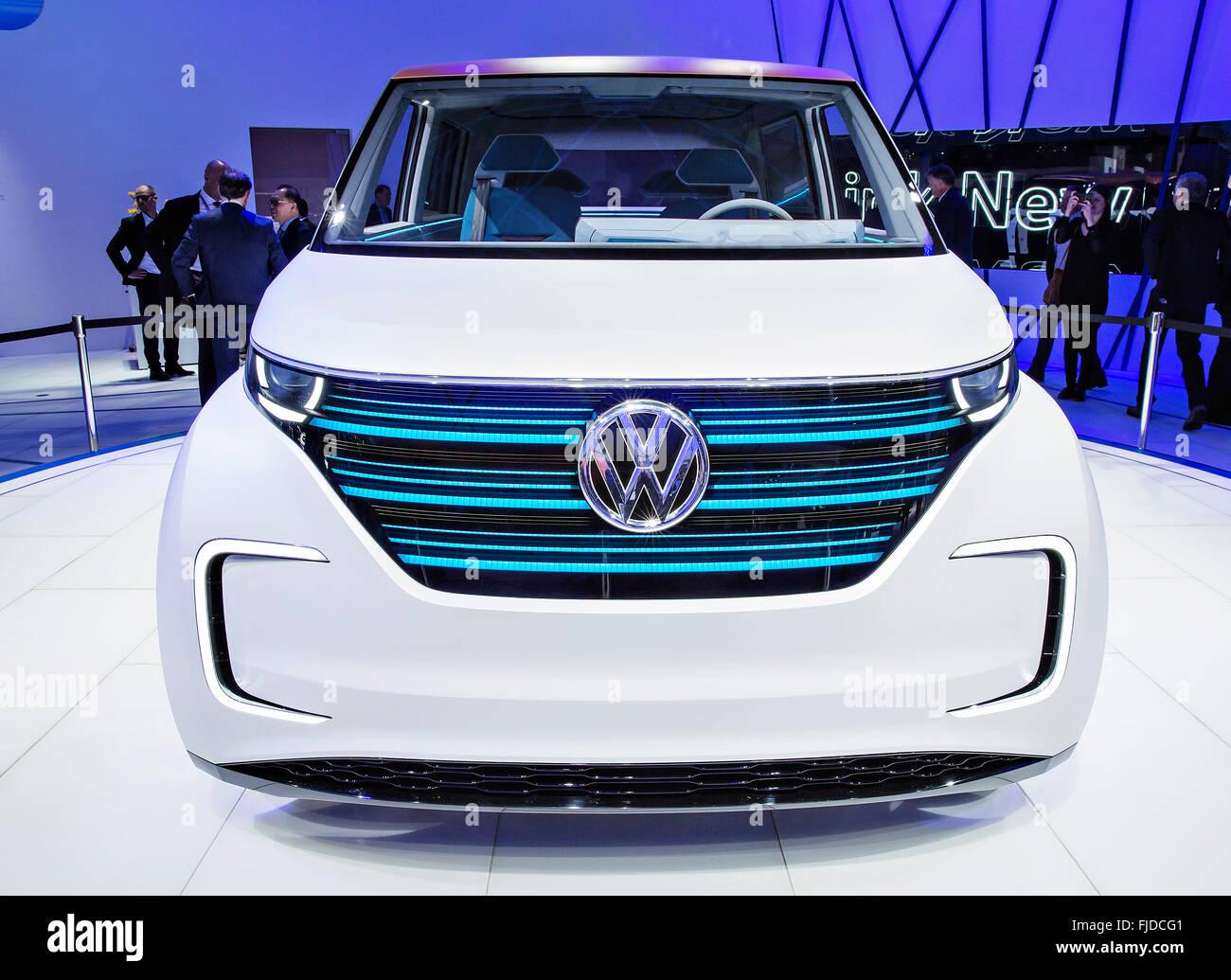 Studie MPV Volkswagen BUDD-e Stock Photo