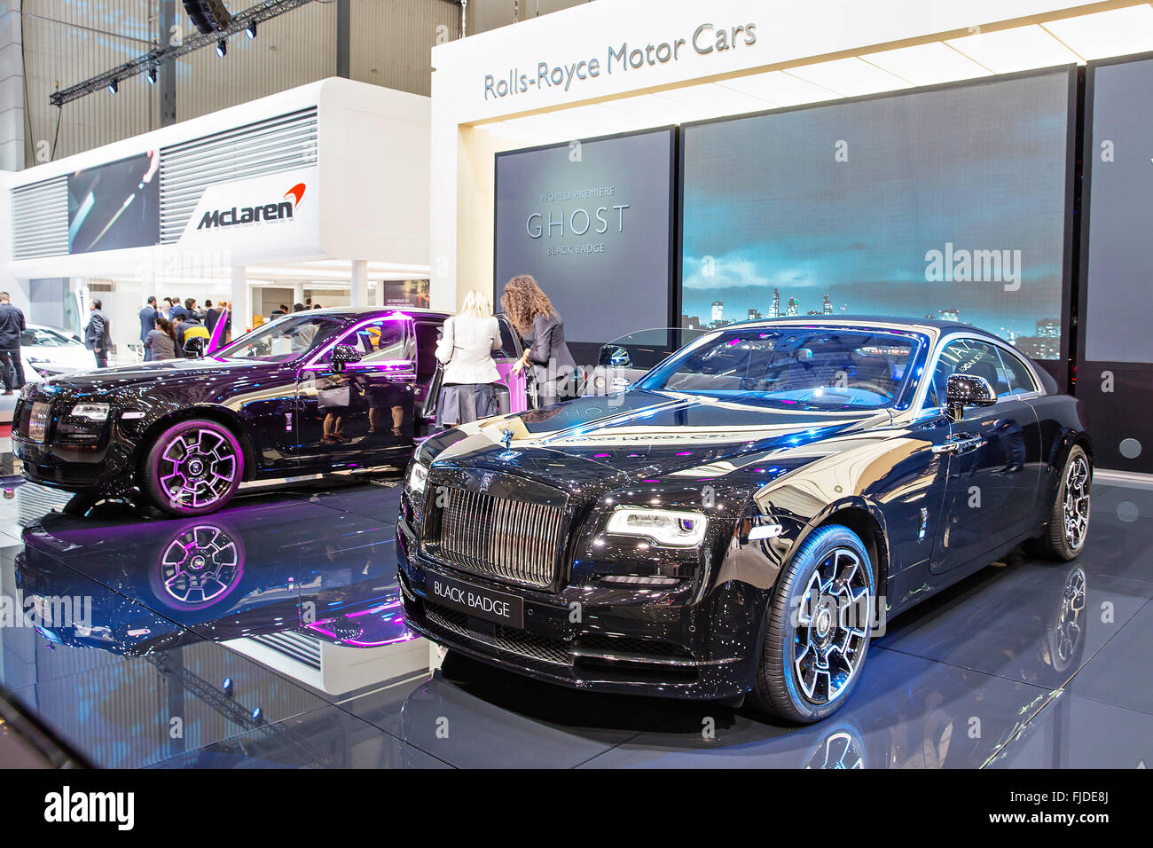 Rolls Royce Ghost Black Badge Rolls Royce Wraith Black Badge Stock Photo Alamy
