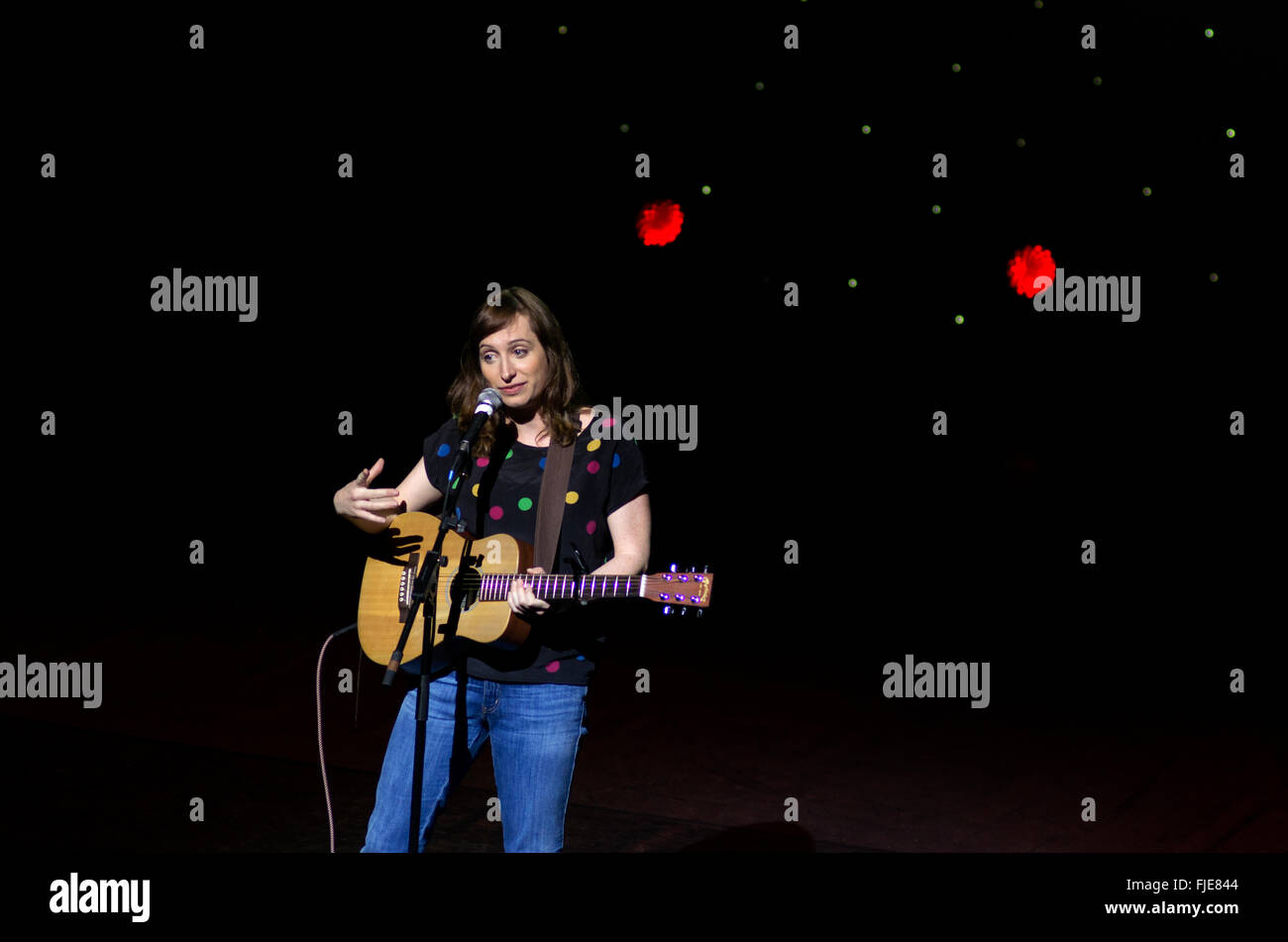 Isy Suttie live at A Belter for the Shelter comedy fundraising night for Hackney Winter Night Shelter October 2013 - Stock Image