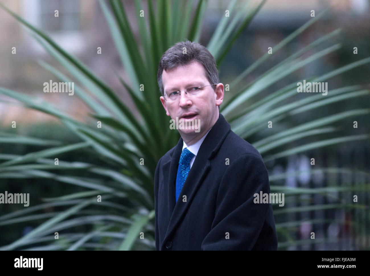Attorney General Jeremy Wright QC arrives at Downing street for the weekly cabinet meeting - Stock Image