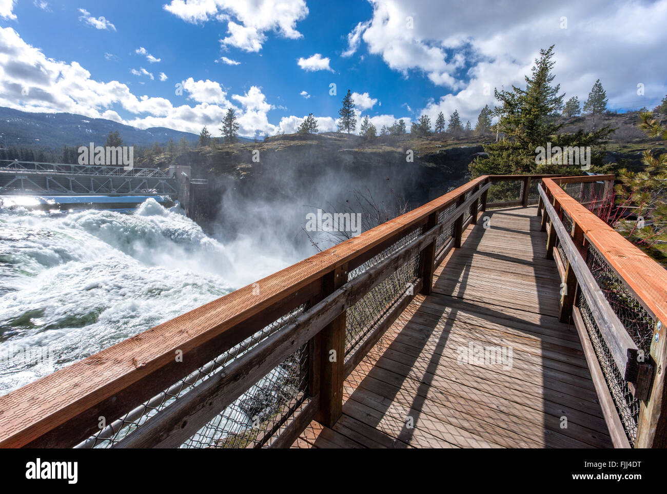 The boardwalk that lets people see the Post Falls Dam in Idaho. - Stock Image