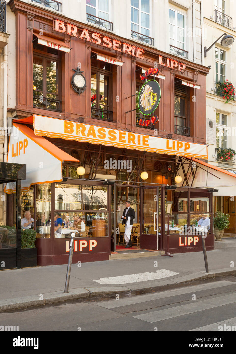 The famous Brasserie Lipp on the Boulevard St. Germain, Paris, France has been a local landmark since 1880, - Stock Image