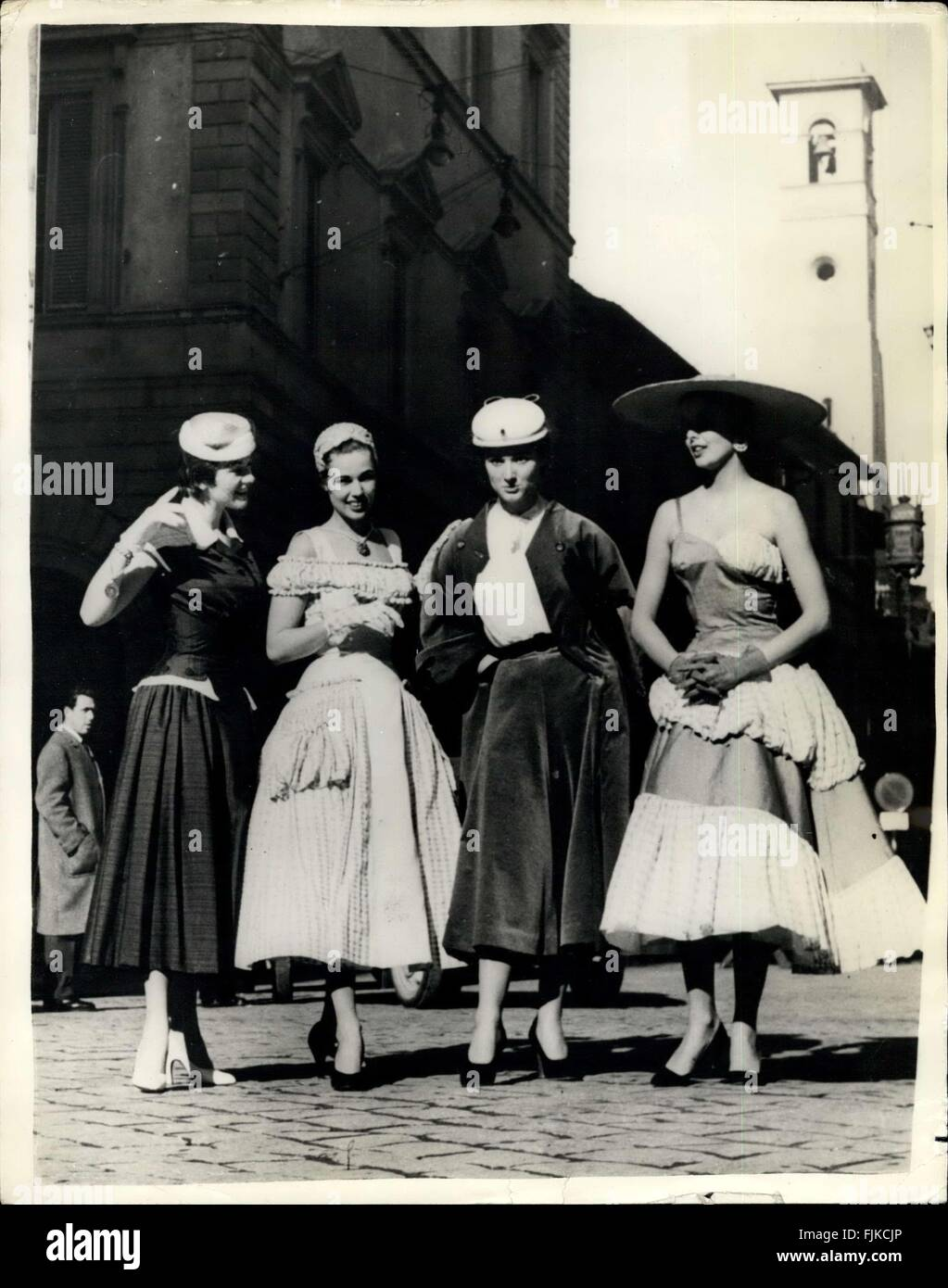 1936 Summer Styles By Italys Leading Fashion Experts On Show In Florence Photo Shows