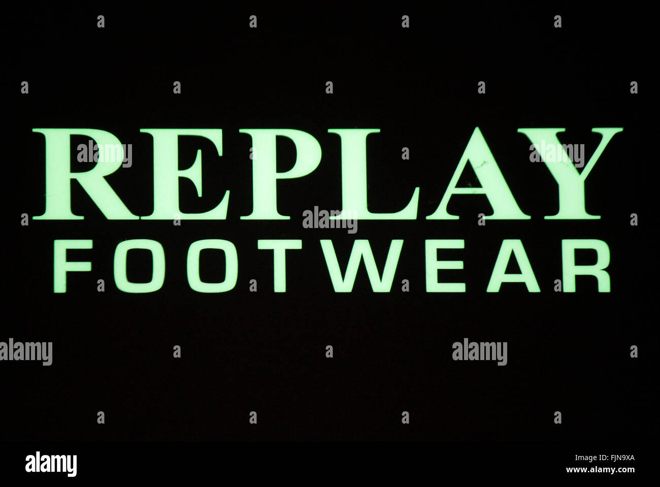 Markenname: 'Replay Footwear', Berlin. - Stock Image