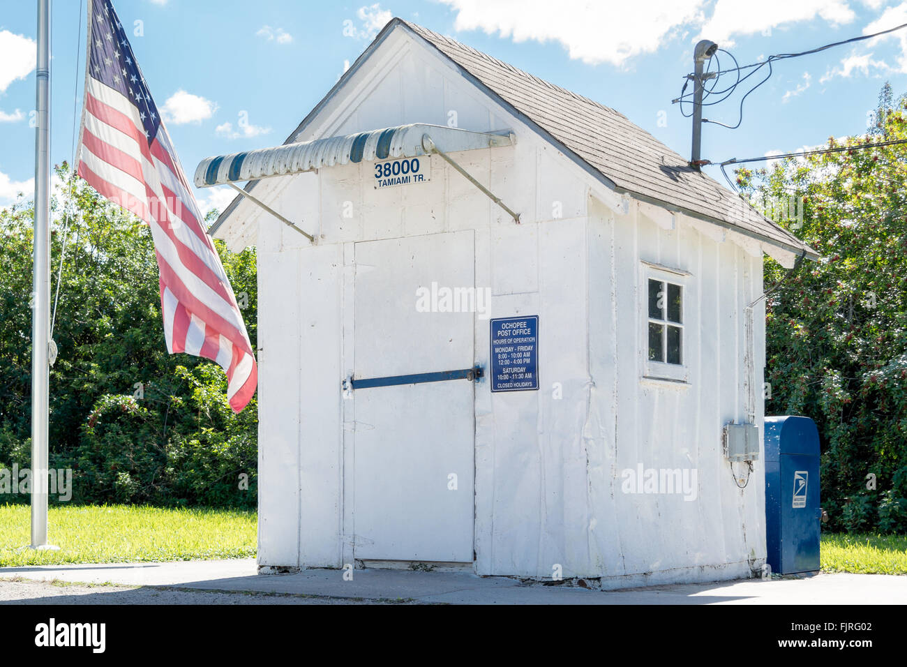 Ochopee post office shed on Tamiami Trail in Big Cypress National Reserve, Everglades, Florida, USA - Stock Image