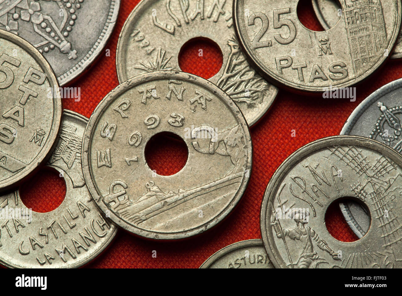 Coins of Spain. Statues by Eduardo Chillida in San Sebastian, Basque Country depicted in the Spanish 25 peseta coin - Stock Image