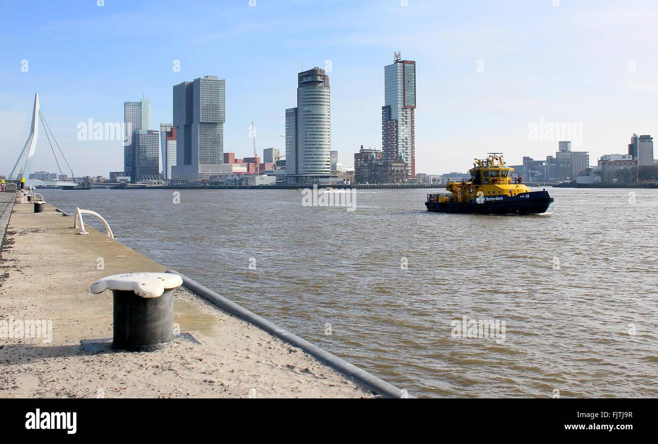 Iconic Rotterdam skyline. Erasmus bridge, Maastoren, De Rotterdam (Koolhaas, 2013), World Port center & Montevideo - Stock Image
