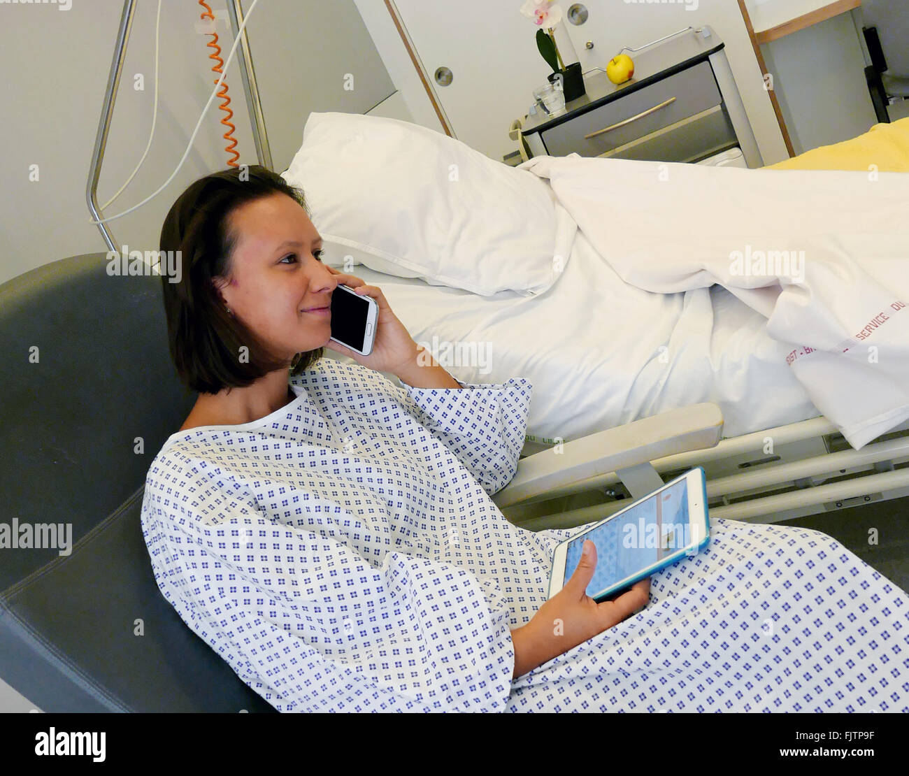 Hospital Gown Stock Photos & Hospital Gown Stock Images - Alamy
