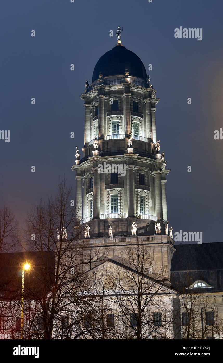 Neoclassicism tower at night in Berlin - Stock Image