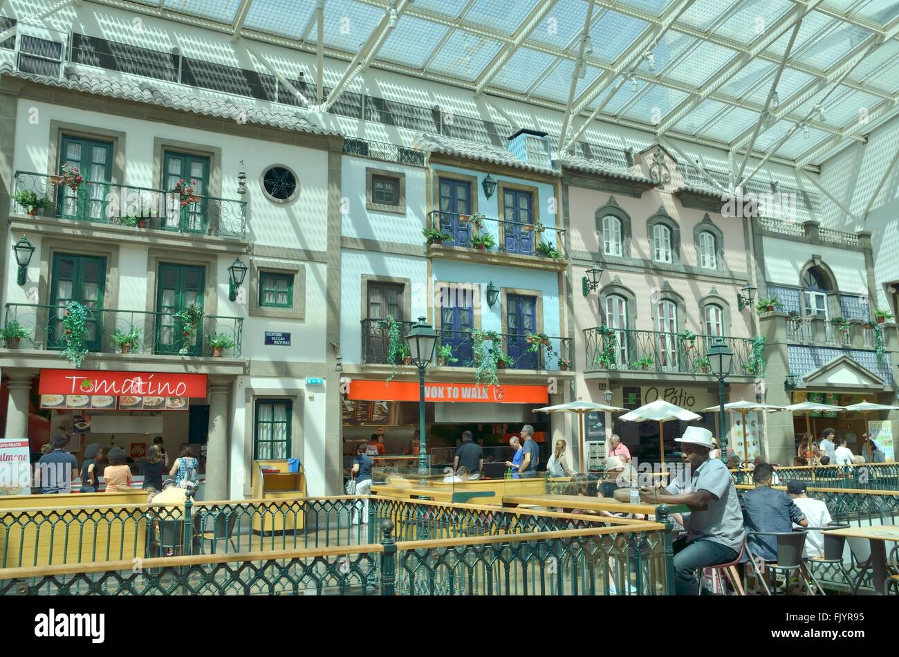 People at restaurants in the upper plant of Via Catarina  Shopping Center in the street of the same name, in Porto, - Stock Image