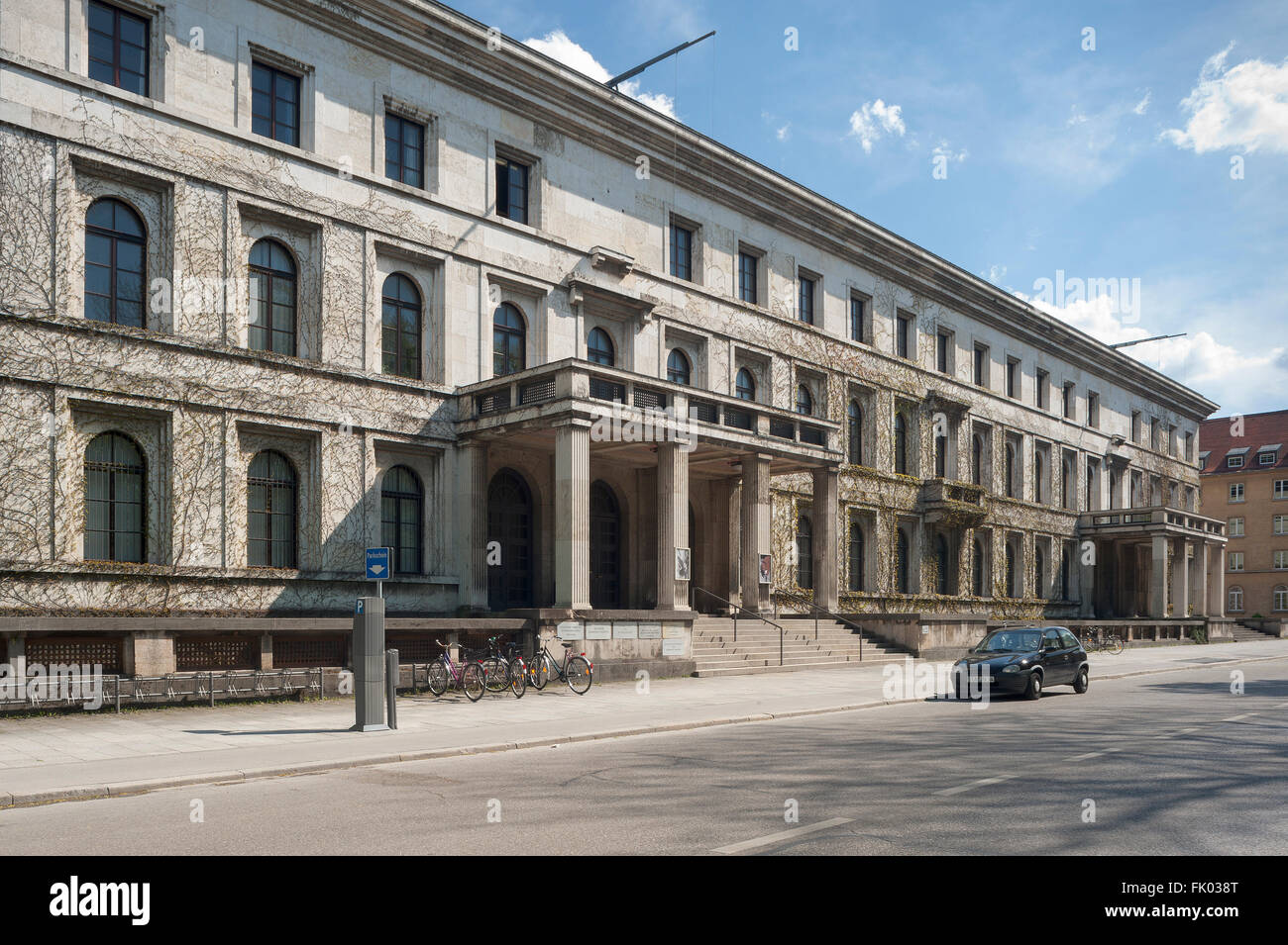 Münchner Haus der Kulturinstitute, former administrative building of the Nazi Party NSDAP, 1935, Munich, Bavaria, - Stock Image