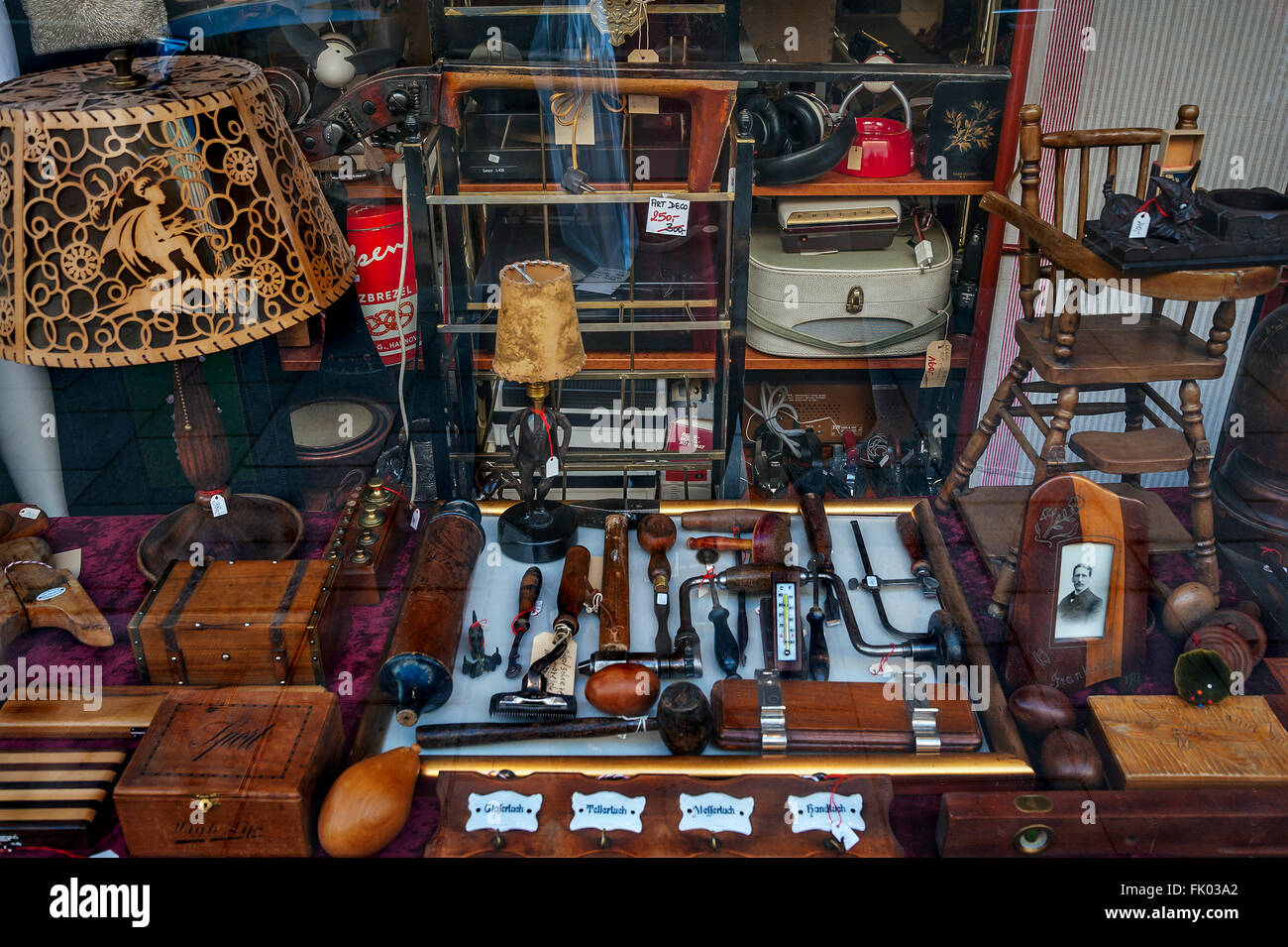 junk shop stock photos junk shop stock images alamy. Black Bedroom Furniture Sets. Home Design Ideas