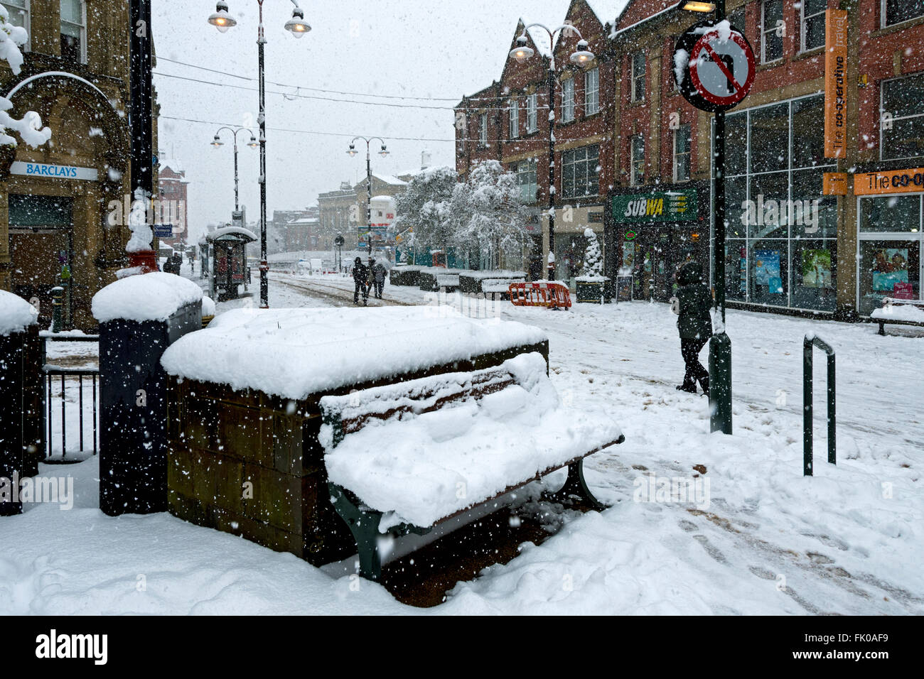 Yorkshire Street, Oldham, in heavy snow.  Oldham town centre, Greater Manchester, England, UK - Stock Image
