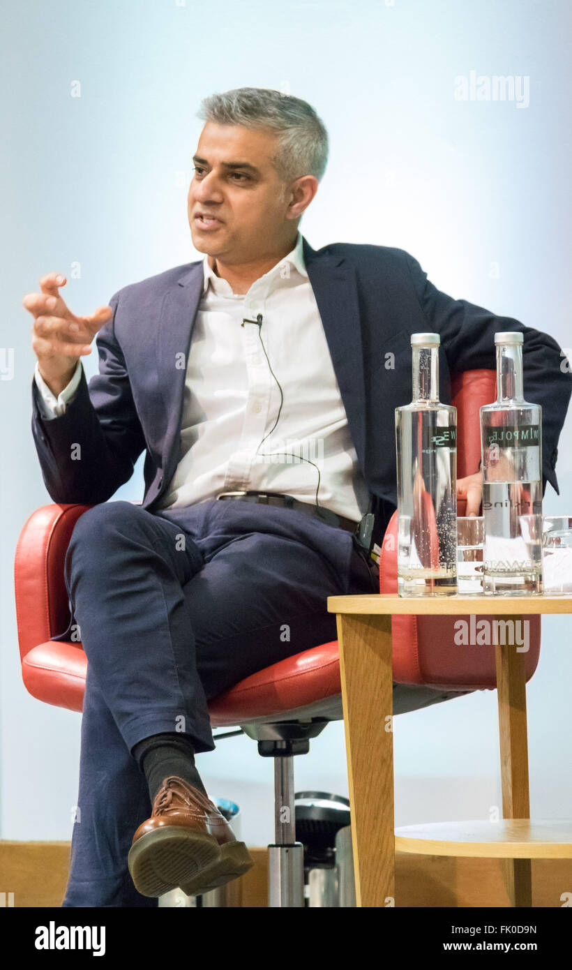 Royal Society of Medicine, Wimpole Street, London, March 4th 2016. Labour Party Candidate Sadiq Khan at the Greener - Stock Image