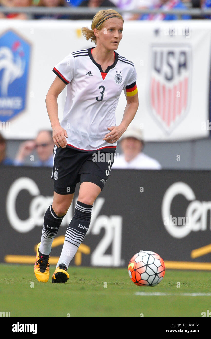 Tampa, Florida, USA. 3rd Mar, 2016. Germany defender Saskia Bartusiak (3) during a She Believes Cup game against - Stock Image