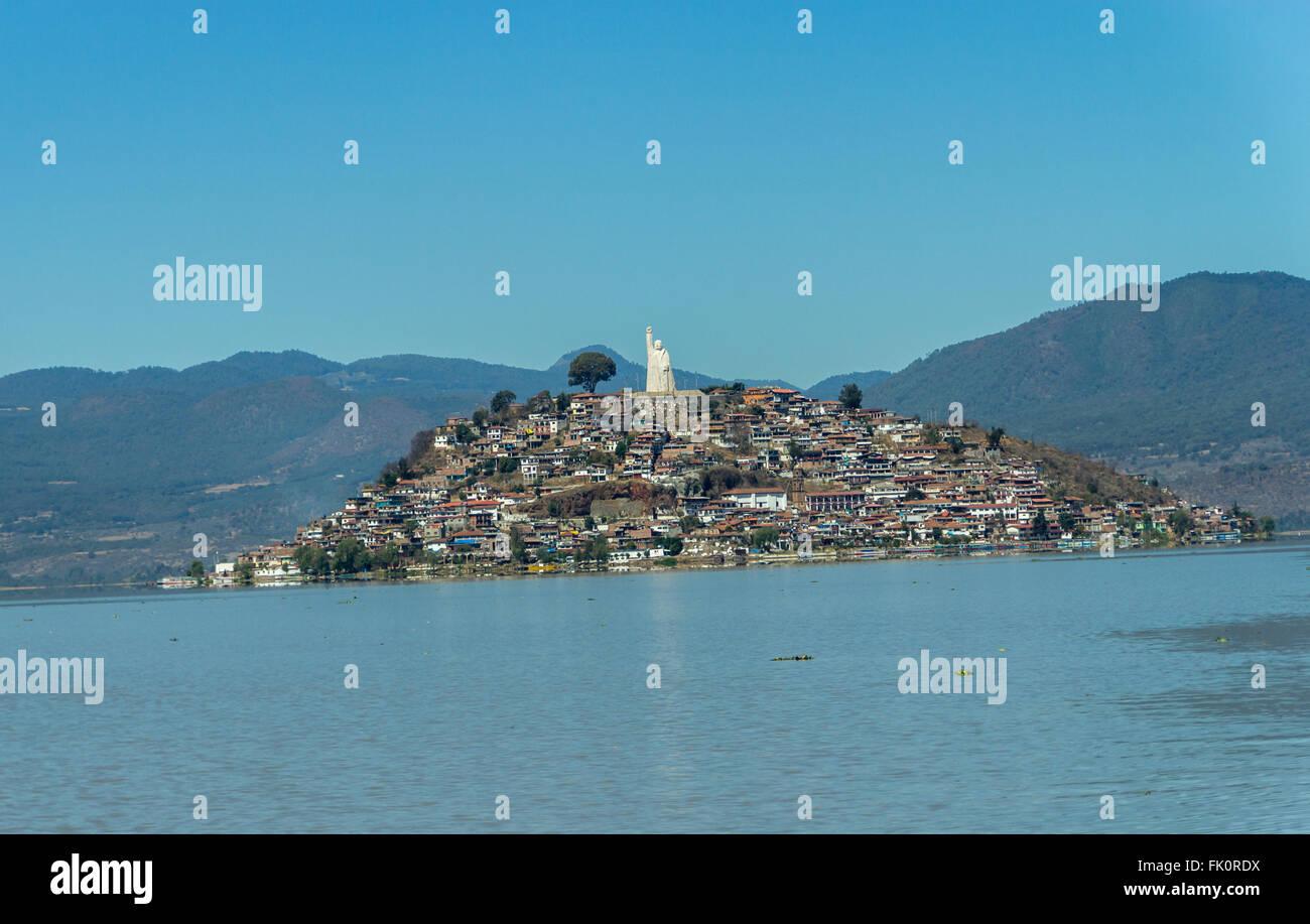 The island of Janitzio in Lake Patzcuaro, Michoacan, Mexico - Stock Image