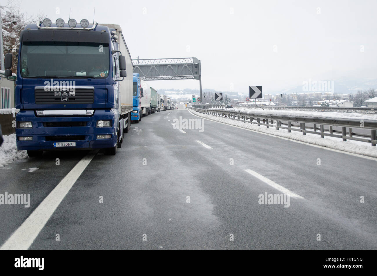 A6 Torino-Savona, Italy. 5th March, 2016. Italy-Roadblock for snow on highway A6 Torino-Savona Credit:  Stefano Stock Photo