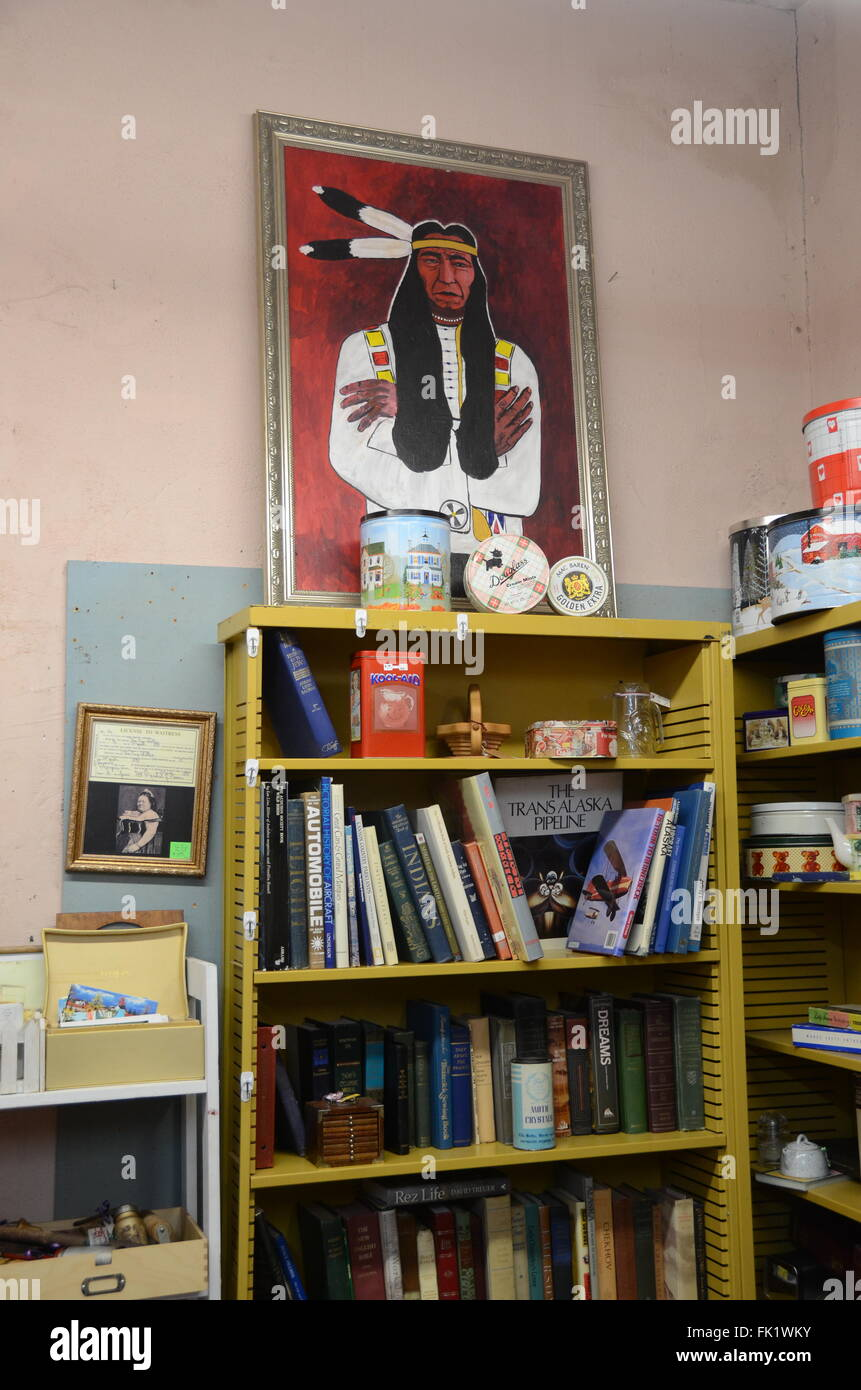 flagstaff antique shop store books indian painting tins - Stock Image