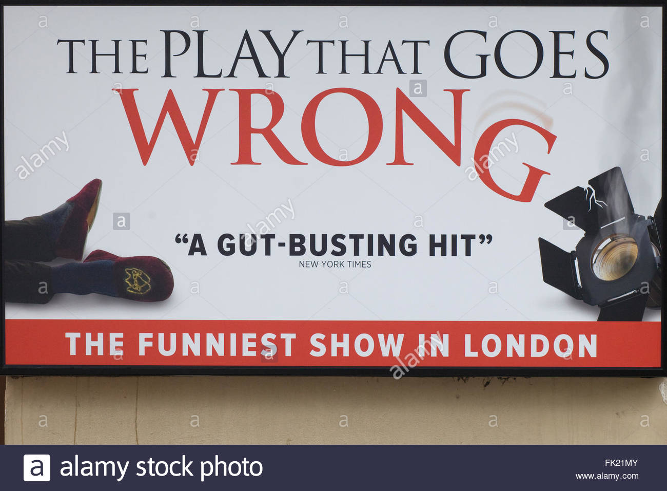 The Play That Goes Wrong Stock Photos & The Play That Goes ...