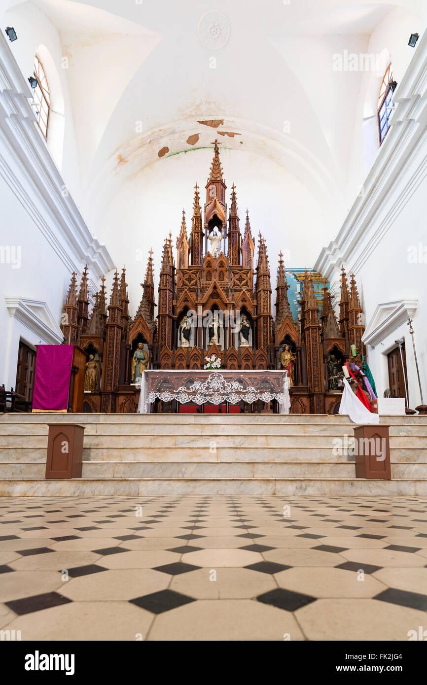 Iglesia Parroquial de la Santísima Trinidad, Plaza Mayor, Trinidad, Cuba - Stock Image