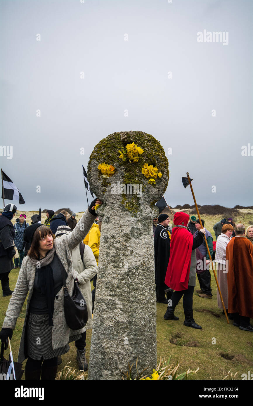 Perran Sands, Perranporth, Cornwall, UK. 6th March 2016. Hundreds of people attend the annual St Piran play, making Stock Photo