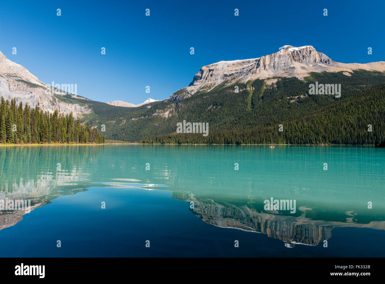 Emerald Lake, Yoho National Park, Canadian Rockies, British Columbia Province, Canada - Stock Image