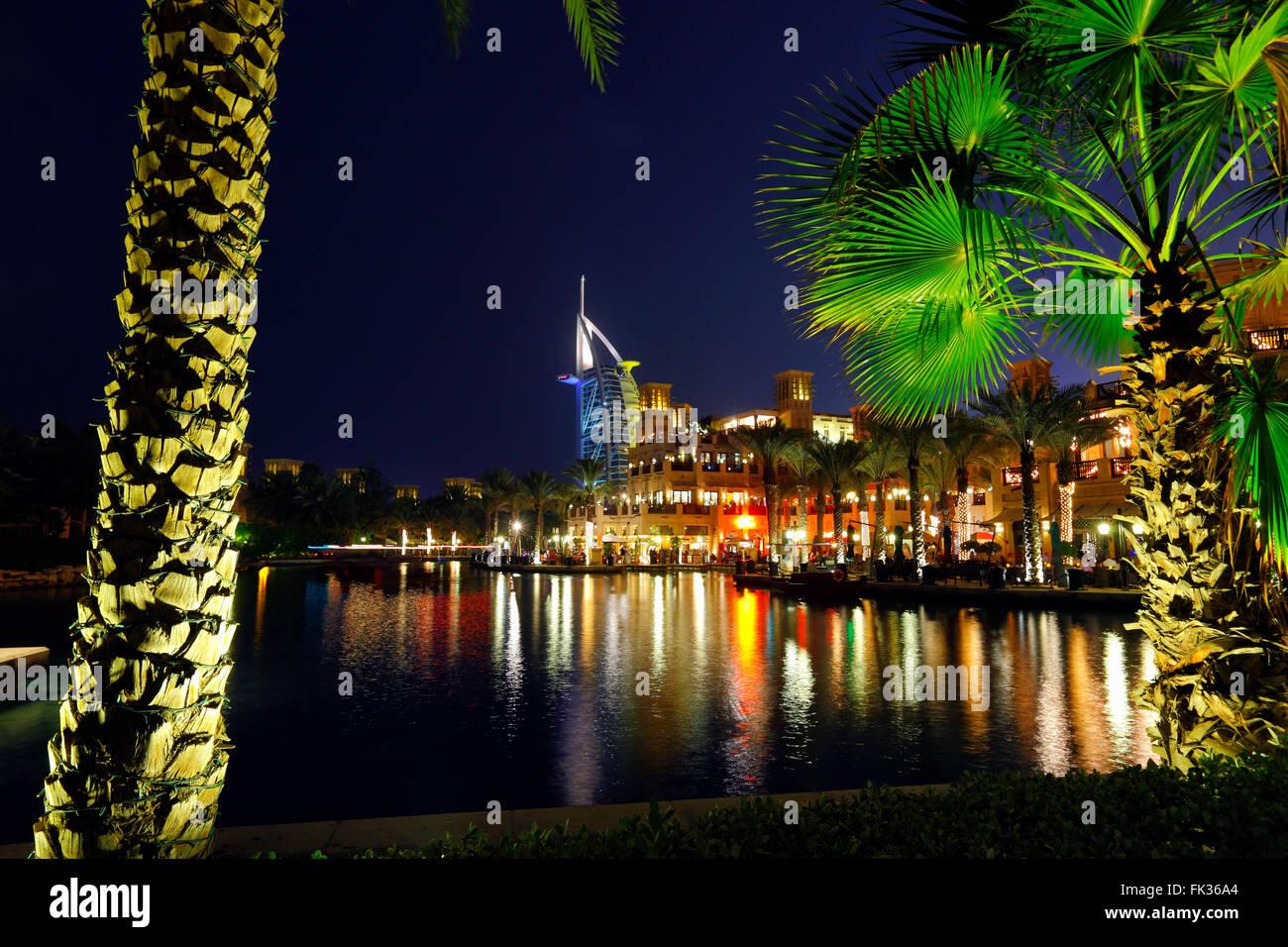 Burj Al Arab hotel & Souk Madinat Jumeirh Dubai, United Arab Emirates - Stock Image