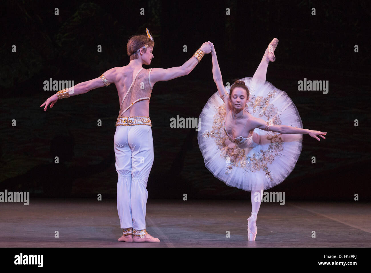 London, UK. 6 March 2016. Le Corsaire performed by Maria Kochetkova (San Francisco Ballet) and Daniil Simkin (Americal - Stock Image