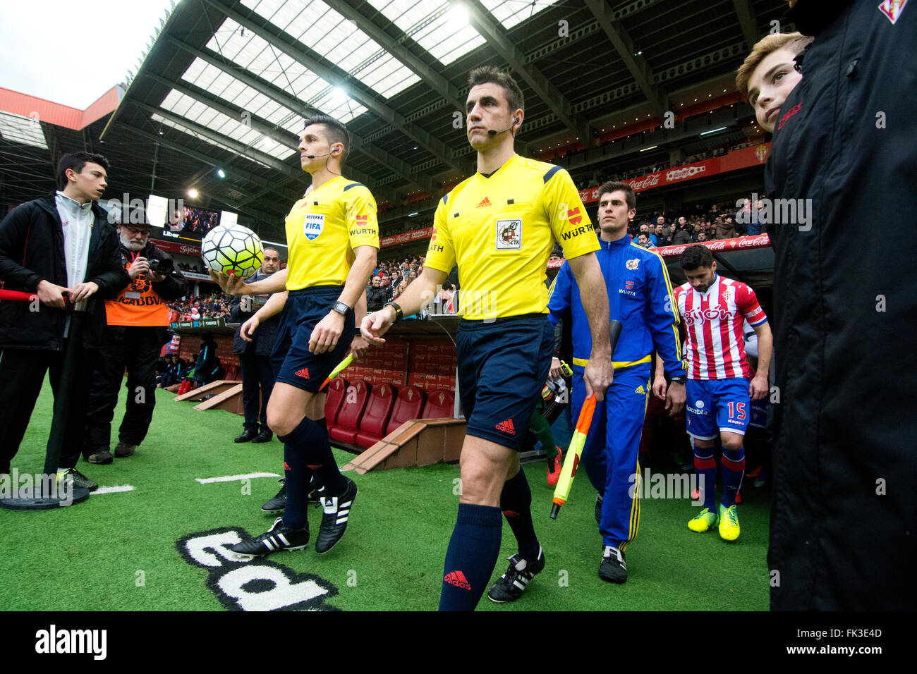 Gijon, Spain. 6th March, 2016. Carlos del Cerro (referee) during the football match of Spanish 'La Liga' between - Stock Image