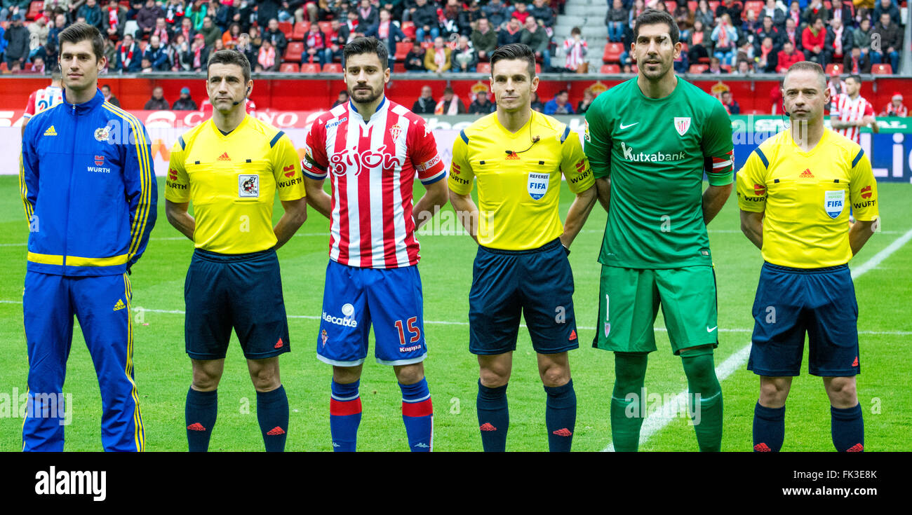 Gijon, Spain. 6th March, 2016. Referees and captains during the football match of Spanish 'La Liga' between Real Stock Photo