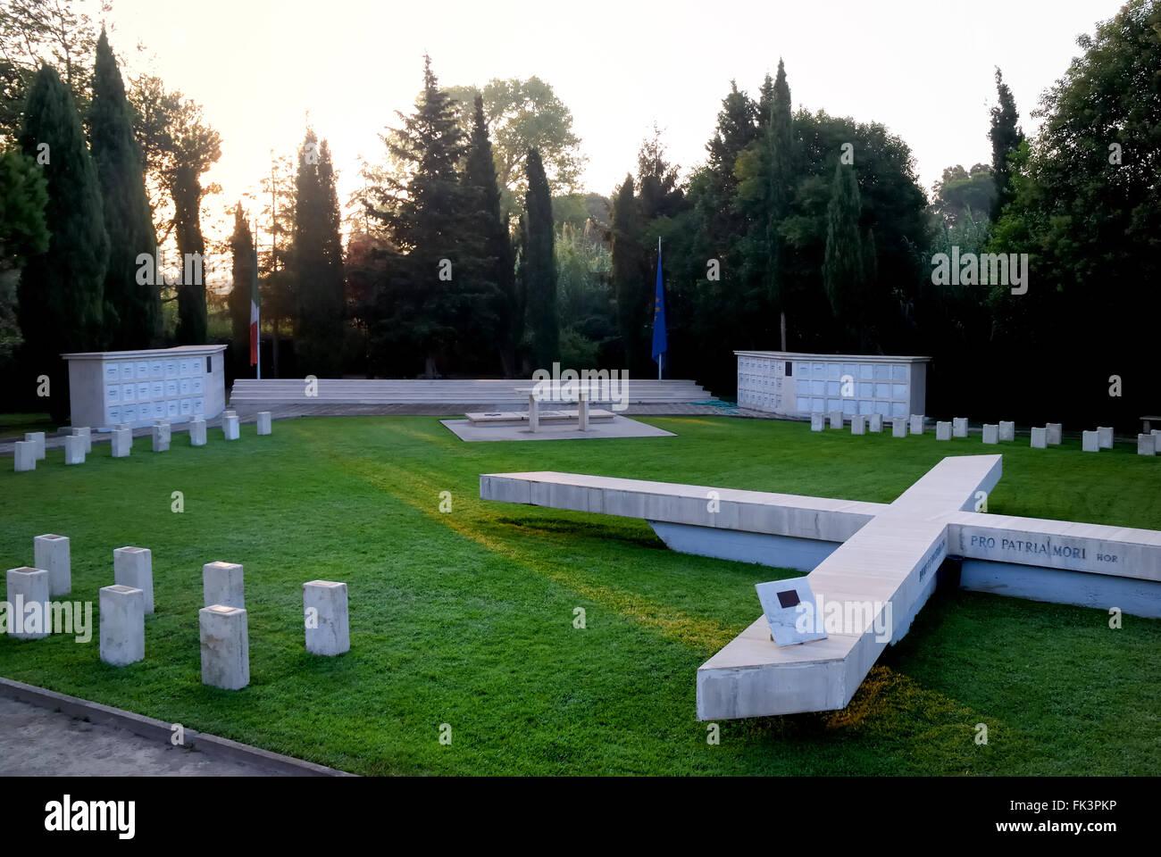 WWII. Nettuno, the Field of Remembrance (Campo della Memoria) is the X MAS War Cemetery and Memorial. 72 Italian - Stock Image