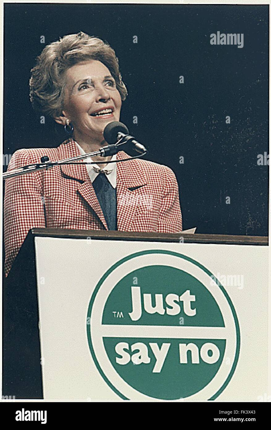 First Lady Nancy Reagan speaks at a 'Just Say No' (to drugs) rally in Los Angeles, California on May 15, - Stock Image