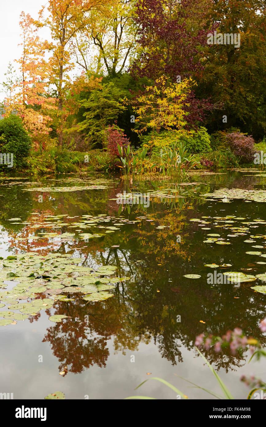 GIVERNY FRANCE MONET HOUSE GARDEN Stock Photo: 97834052 - Alamy
