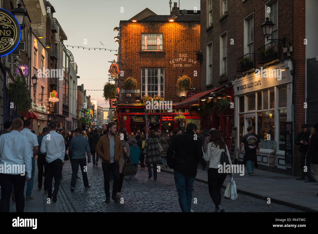 Temple Bar, Dublin, Ireland early evening - Stock Image