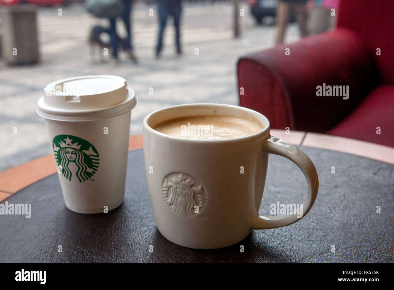 Photosamp; Stock Starbucks Coffee Starbucks Cup DE9H2I