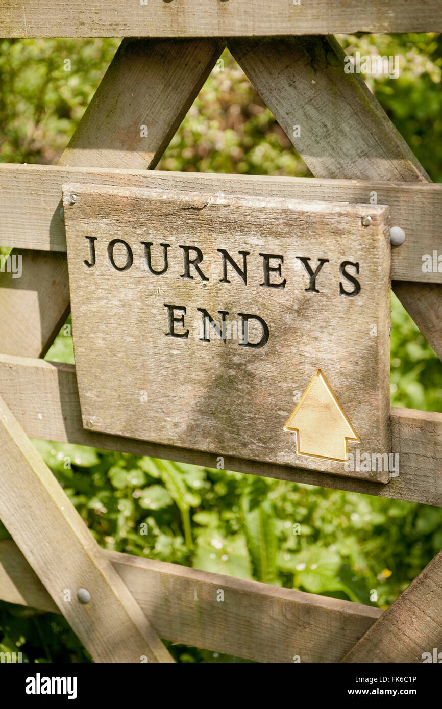 Journey's End pub sign, where it is said R. C. Sherriff wrote his famous WW1 play, Devon, England, United Kingdom, - Stock Image