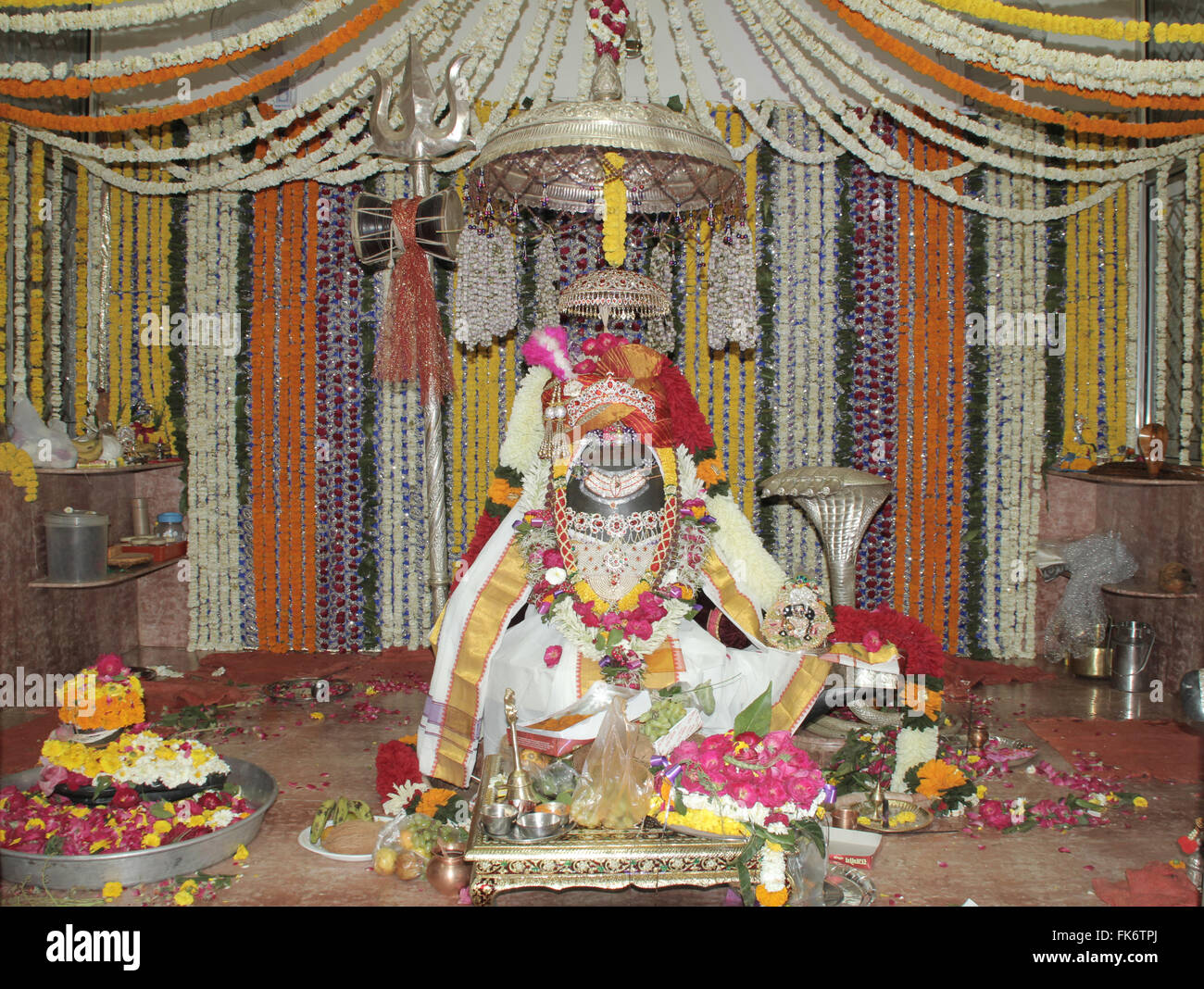 Jabalpur, India. 07th Mar, 2016. Hindu devotees decorate to 'Lord Shiva' like a Bridegroom on the ocation - Stock Image