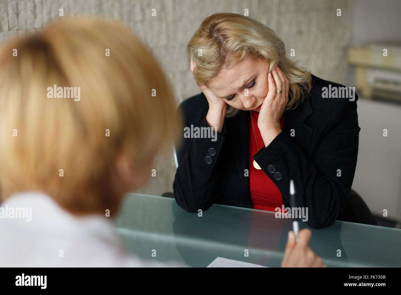 Entrepreneur in bankrupt, business failure, situation in office - Stock Image