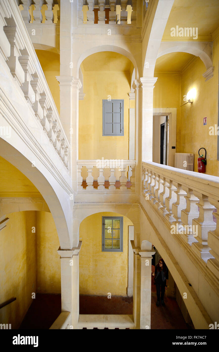 Interior Staircase Of C17th Town House Townhouse Or Mansion U0026 Galerie 8 Art  Gallery Arles Provence France