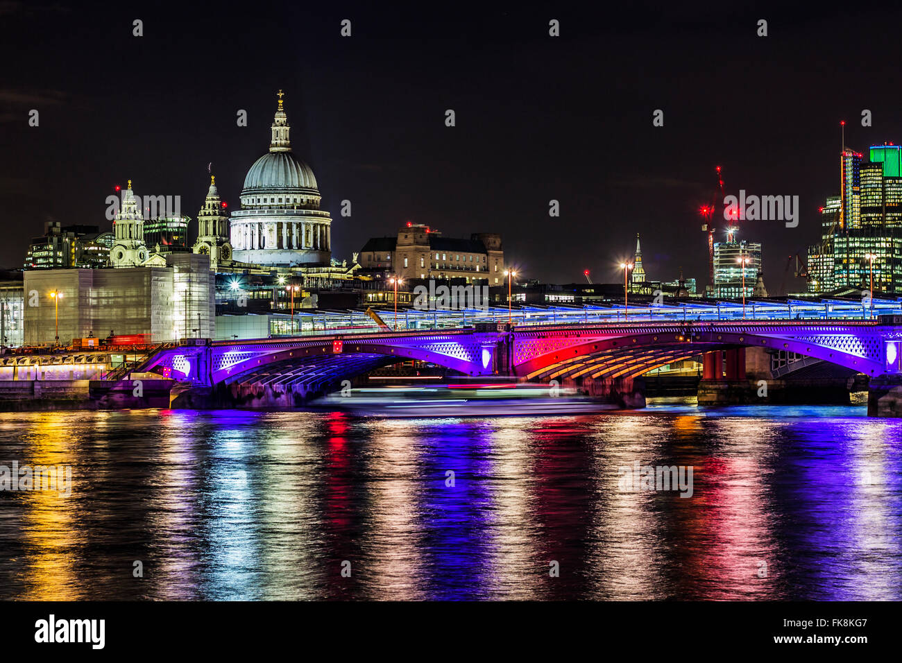 St Paul's cathedral by night - Stock Image