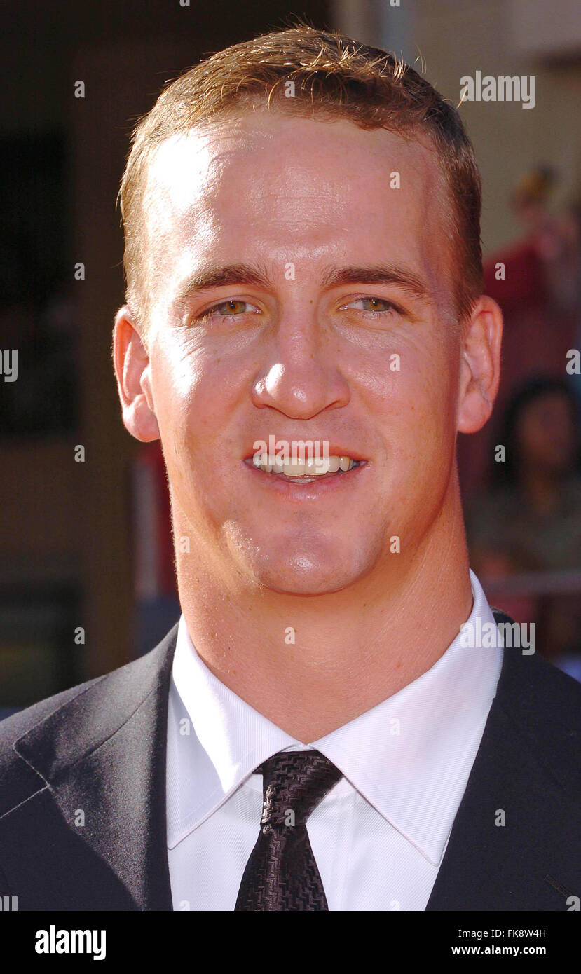 File. 7th Mar, 2016. PEYTON MANNING made an emotional farewell after 18 years to the NFL, a day after the iconic Stock Photo