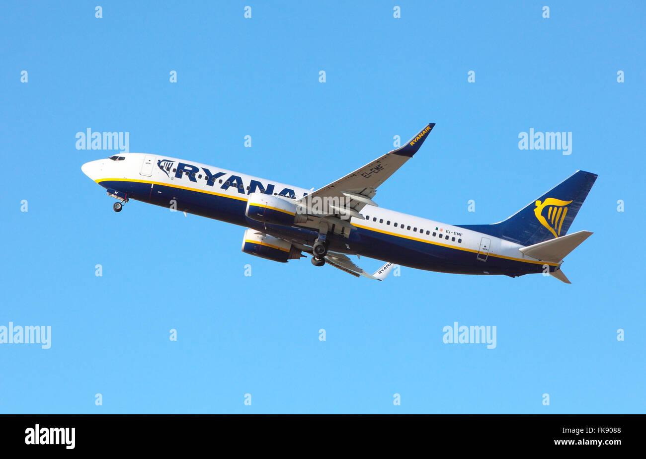 Ryanair EI-EMF departs Edinburgh Airport - Stock Image