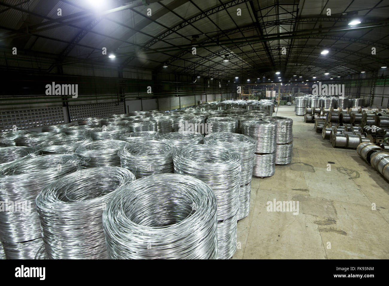 Rollers aluminum cable ready to be packaged for distribution - Stock Image