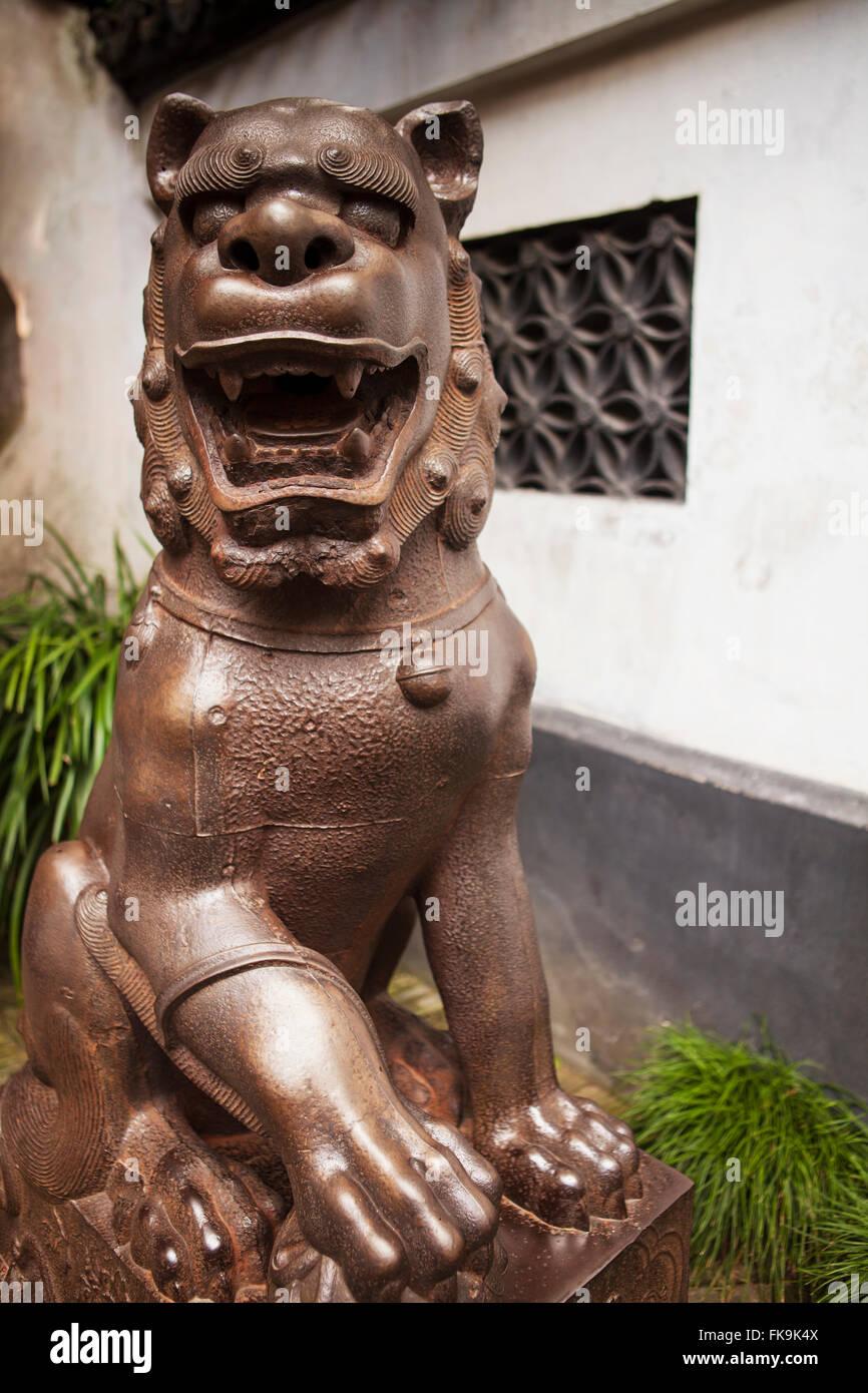 bronze temple guardian or lion dog, Yuyuan Garden, Shanghai, China ...
