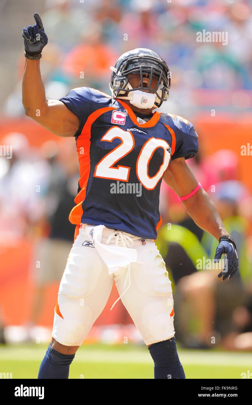 size 40 e80f5 4499b Miami, Fla, USA. 23rd Oct, 2011. Denver Broncos strong ...