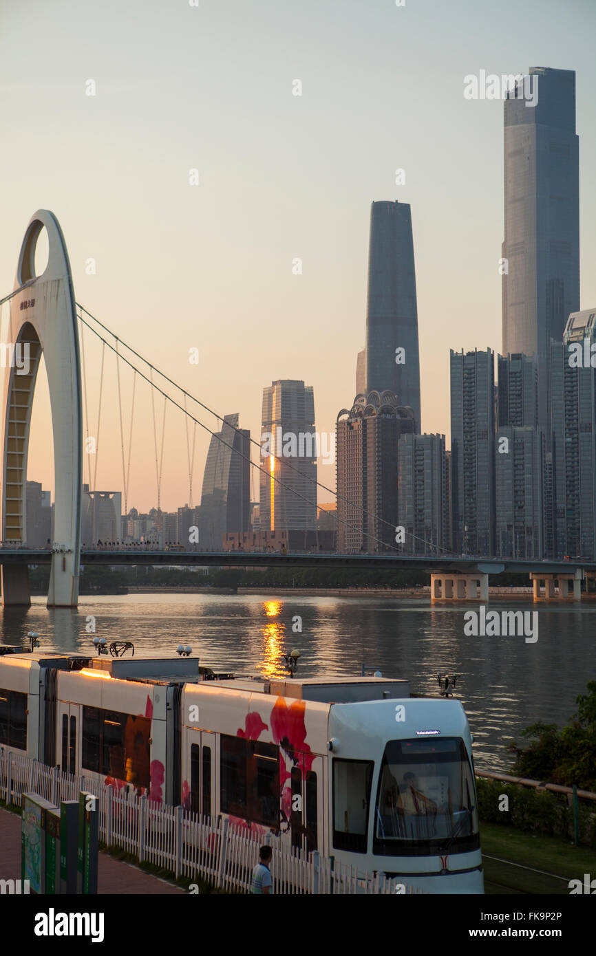 mass transit at the Liede Bridge and Pearl River, Guangzhou, China - Stock Image