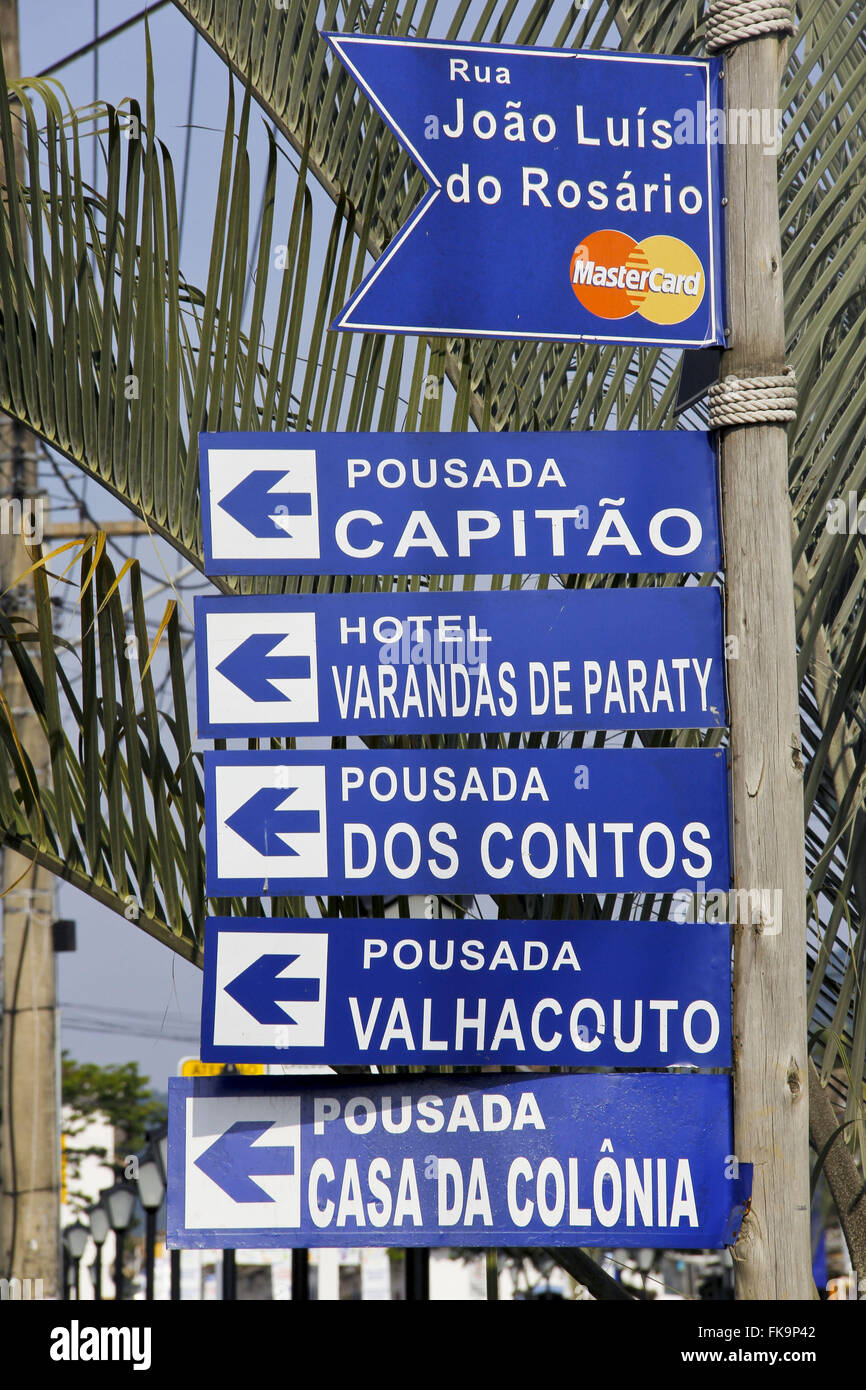 Signs orientation of hosting historic city of Paraty - RJ - Stock Image