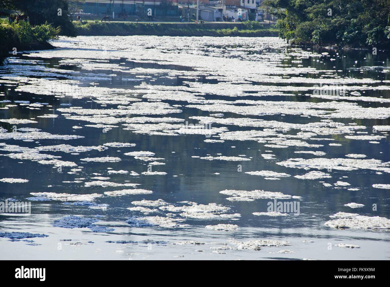 Foam pollution in Rio Tietê margins city - inside Sao Paulo - Stock Image