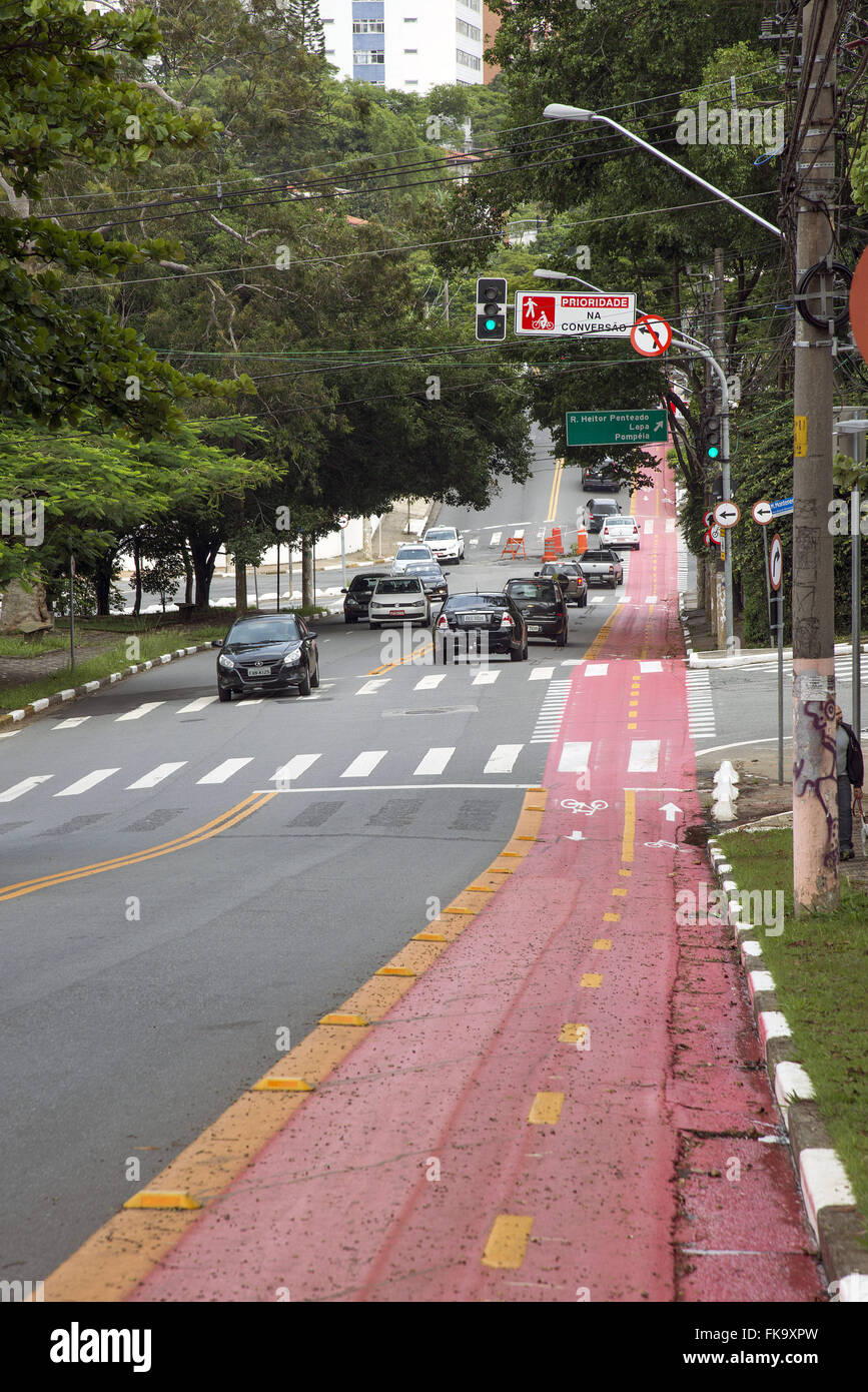 Bike lane in Joao Moura Street - Stock Image