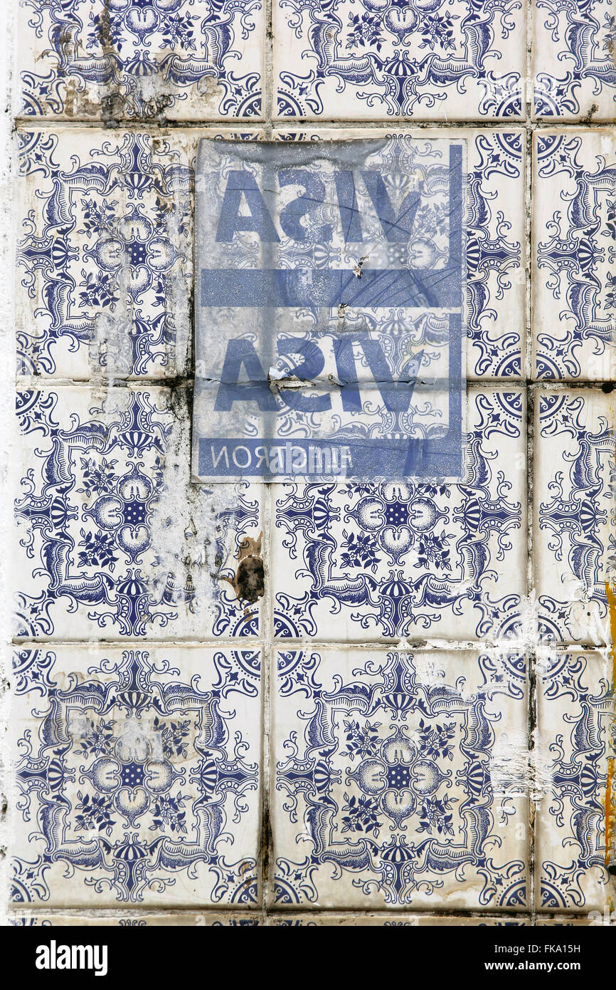 Detail of Portuguese tiles poorly maintained and adesivados - Stock Image